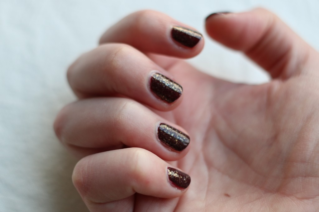 Essie Luxeffects As gold as it gets 2