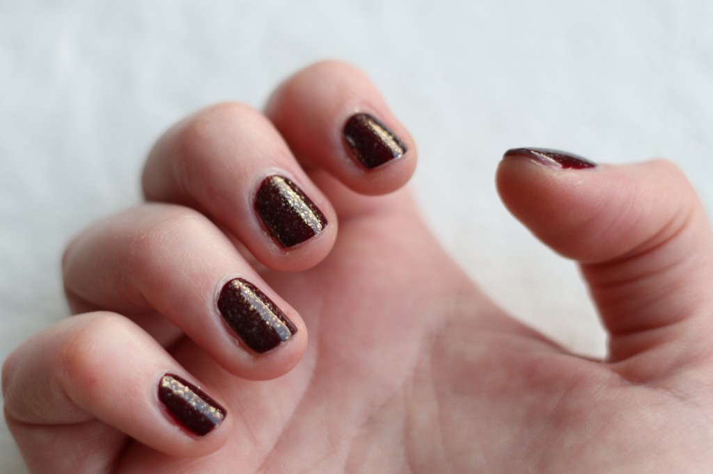 Essie Luxeffects As gold as it gets 1